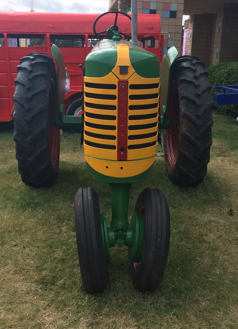 tractor-tulsa-state-fair-2016-front-view