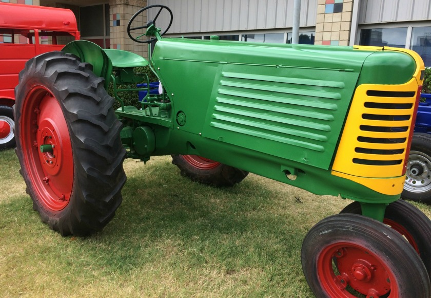 tractor-tulsa-state-fair-2016-side-view